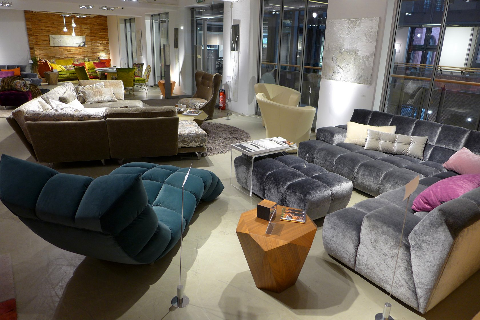 bretz flagship store hamburg stilwerk 2017 06 13 018 bretz store hamburg. Black Bedroom Furniture Sets. Home Design Ideas
